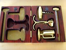 Usado - JUEGO ABREBOTELLAS - de metal dorado con estuche -