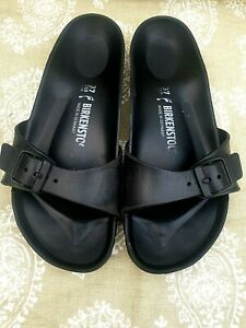 BIRKENSTOCK-SIZE UK 4 EU 37 BLACK  RUBBER MADRID SLIDERS WITH BUCKLE.NARROW FIT