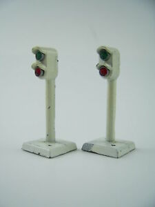 Pair of Lone Star Treble O (N Gauge) Diecast  Colour Light Signals