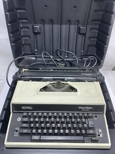 VINTAGE ROYAL OFFICE MASTER DELUXE ELECTRIC TYPEWRITER WITH CASE For Parts