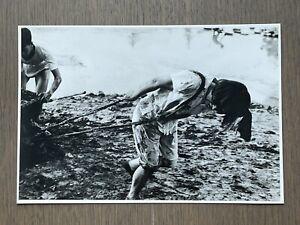 Mega RARE! SIGNED Gelatin Silver Print Henri Cartier-Bresson EXHIBITION 1963 Old