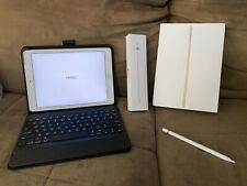 Apple iPad Pro 1st Gen. 32GB, Wi-Fi, 9.7 in - Rose Gold w/ Pencil & Keyboard box