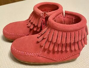 Minnetonka Toddler Girls Pink Suede Fringed Ankle Moccasins Shoes Size 4
