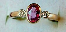 18 ct white gold ring with pink sapphire and diamonds. Stunning item. Engagement