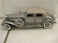 1989 Franklin Mint 1:24 1933 Duesenberg  20 Grand SJ  Silver diecast Metal car