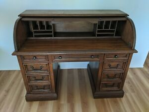Beautiful Antique Solid Oak Roll Top Desk