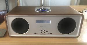 Vita Audio (Ruark) R2 DAB/FM Radio/Alarm - In Walnut + Remote control