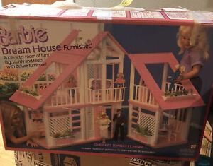 VTG 1985 Barbie Dream House Pink-most Furniture In Orig Box, Very Nice!!