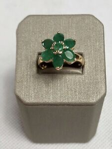 14k Solid Yellow Gold Genuine Emerald Flower Ring