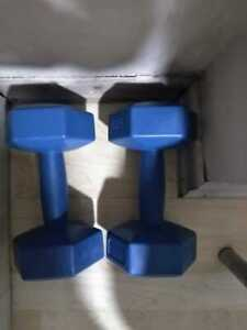 Sports equipment blue color weighing 7 kg
