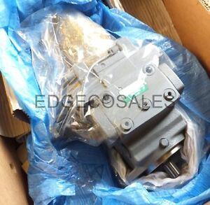 "Kubota ""R520 Series"" Wheeled Loader LST Pump - R150161113 (Serial No =>50122)"