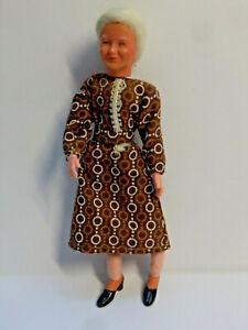 Biegepuppe von Caco  Oma  13 cm   für Puppenhaus