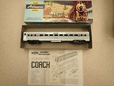 Athearn 1819 HO Gauge Amtrak SL Coach Nice Condition Unglazed