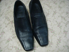DREAM WALKER BLACK LEATHER VERY COMFORTABLE SMALL HEEL SHOES - SIZE 8