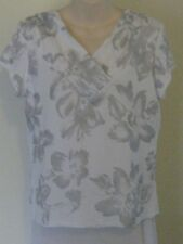 GITANE White Short Sleeve Top with glitter flowers - Size Large