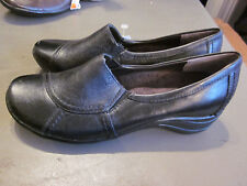 NEW! $70  HUSH PUPPIES  WOMENS SLIP ON LEATHER SHOES BLACK 6M