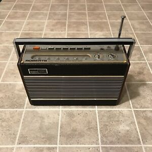 Vintage Roberts Radio Co Model RP26 ~ AM/FM 3 Band Radio ~ Missing Battery Cover