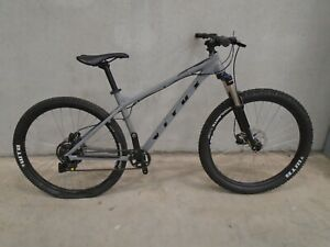 Vitus Nucleus 27 VR Mountain Bike (2021) - MEDIUM - GREY