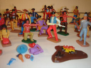 Plasty Wildwest Figuren Konvolut Indianer Cowboys Swoppets Made in Germany