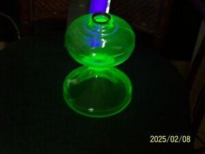 ANTIQUE GREEN URANIUM GLASS KEROSENE OIL 8 in. TALL LAMP