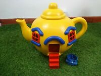 VINTAGE RETRO TOY BLUEBIRD BIG YELLOW TEAPOT 1981 80'S WITH CAR