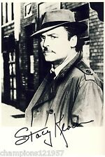 Stacy Keach + + AUTOGRAFO + + + + MIKE HAMMER + +
