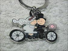 Bomboniera segnaposto per matrimonio, portachiavi con sposi su moto in metallo