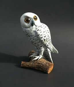 """Hand Painted Hand  Carved Wood SNOWY OWL figurine 4 1/2"""" tall"""
