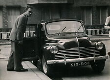 Auto c. 1950 - RENAULT 4 CV - Div 7087