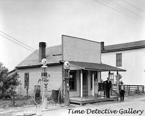 A Vintage Texaco Gas Station - 1930s - Historic Photo Print