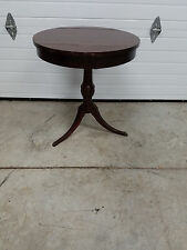 """Mahogany Pie Crust End Table By Mersman  """" NICE """"  /   24"""" round"""