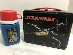 VINTAGE 1977 STAR WARS METAL LUNCH BOX WITH MATCHING THERMOS RARE!