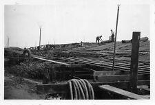 Tarnarbeiten auf Öll - Tanks im Nordhafen Antwerpen Belgien