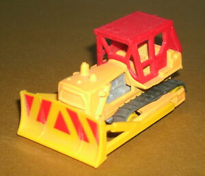 1/81 Scale Caterpillar D9H Bulldozer Diecast Construction Vehicle - Matchbox