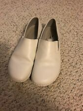 Spring Step White Nursing Shoes Size 9