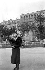 Femme avec étole de fourrure - Ancien négatif photo an. 1930