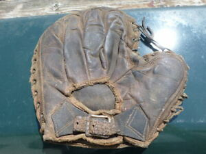 Rare VTG ANTIQUE Leather Baseball Catchers Glove Mitt Buckle Back Early 1900s