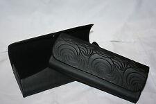 Schones Brillenetui, schwarz mit Seideneffekt und Strukturmuster (107-13V)