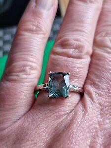 Gorgeous Gemporia 925 Silver Tucson Green Fluorite  Ring Size R (A11)