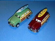 KINSMART Miniature 1949 FORD WOODY WAGON WITH SURFBOARD SET OF 2 CARS SCALE 1:82