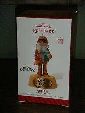 2014 Hallmark Ornament  ~UNCLE SI~  DUCK DYNASTY  MAGIC FEATURES SOUND.    (2016