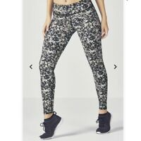 NEW Fabletics $79 Mid-Rise Printed PowerHold® Leggings Size M