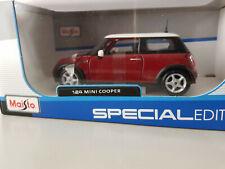 Mini Cooper R50 2004 Maisto 1:24 Rojo-Blanco