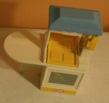 Little Tikes-Dollhouse-Furniture-Kitchen Island-Sink-Stove-Oven-Phone-Vintage