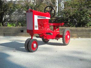Vintage Pedal Tractor International Harvester Farmall Model 806 Ertl