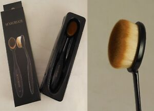 A soft fibre hair facial cleansing brush makeup foundation brush by M'AYCREATE