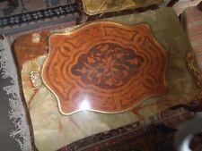 Vassoio antico in legno con intarsi