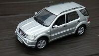Mercedes Benz  ML55 AMG 1/18 Off Road 4x4 Maisto Model Toy Car Vintage Boxed
