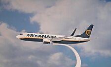 Herpa Wings 1:200  SNAP FIT  Boeing 737-800  RYANAIR  EI-ENX  609395