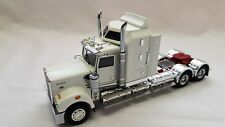 Drake Collectables Z01473 Kenworth T900 White with Red Chassis
